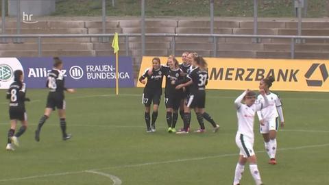Jubel bei den Damen vom 1. FFC Frankfurt