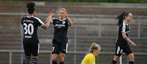 Die FFC-Spielerinnen jubeln in Mönchengladbach.