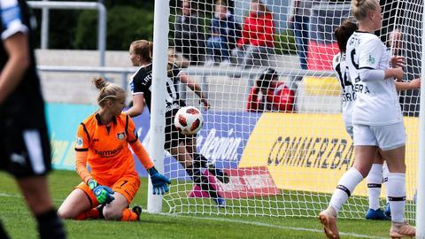 Der FFC bejubelt einen Treffer gegen Leverkusen