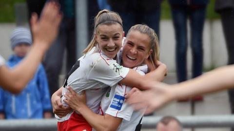 FFC-Spielerin Groenen bejubelt ihren Treffer
