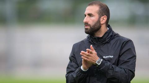 RW-Trainer Danieyl Cimen klatscht in die Hände