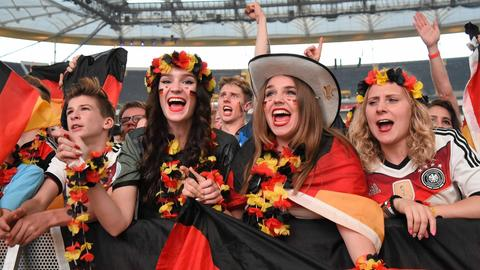 Deutschland-Fans in der Arena