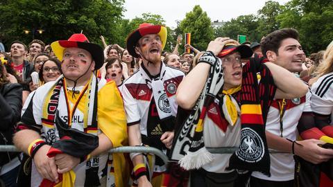 Deutschland-Fans in Wiesbaden