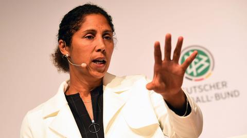 Steffi Jones bei ihrer Präsentation als DFB-Trainerin.
