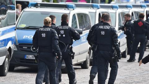 Polizeibeamte in der Darmstädter Innenstadt