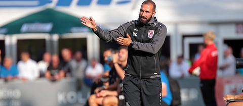 Trainer Daniyel Cimen holt mit dem FC Gießen einen Punkt in Alzenau.