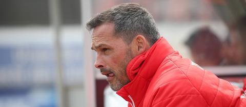Steinbach Haigers Trainer Frank Döpper wartet weiter auf seinen ersten Sieg.