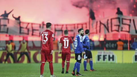 OFC-Fans zünden Pyrotechnik am Bornheimer Hang