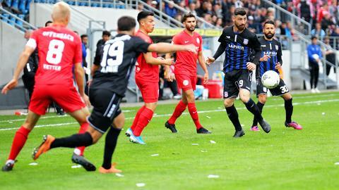 Kickers Offenbach und der FSV Frankfurt lieferten sich ein umkämpftes Hessen-Derby.