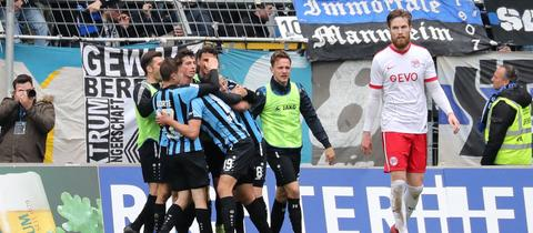 Mannheim bejubelt den Sieg gegen Offenbach