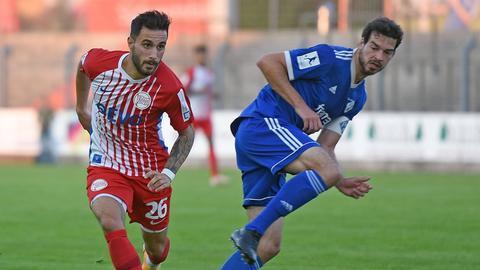Davud Tuma von Kickers Offenbach im Spiel in Pirmasens