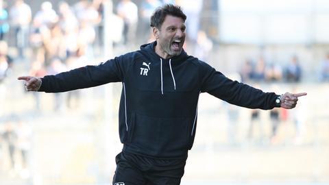 Steinbach Haigers Trainer Adrian Alipour bejubelt den Einzug ins Hessenpokal-Finale.