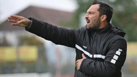 FSV-Trainer Thomas Brendel verpasst mit seinem Team einen wichtigen Sieg.