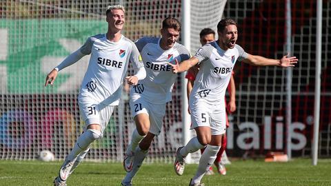 Ein gewohntes Bild der vergangenen Wochen: jubelnde Spieler des TSV Steinbach Haiger