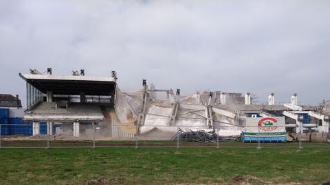 Die Tribühne der Rennbahn in Frankfurt wurde abgerissen.