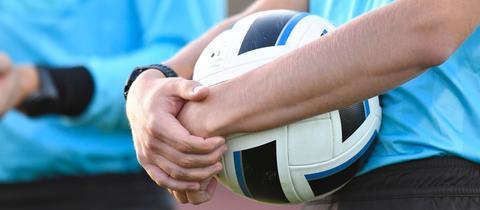 Schiedsrichter im Fußball Symbolbild