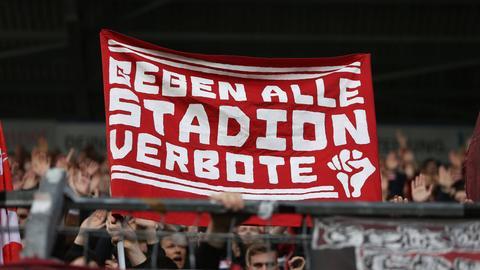 Banner Gegen alle Stadionverbote