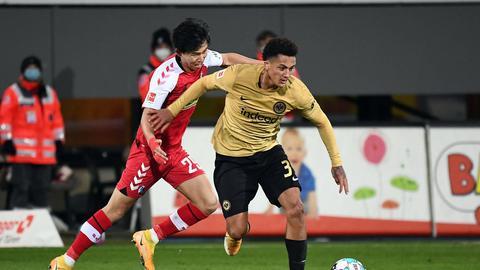 Eintracht-Spieler Tuta beim Spiel in Freiburg