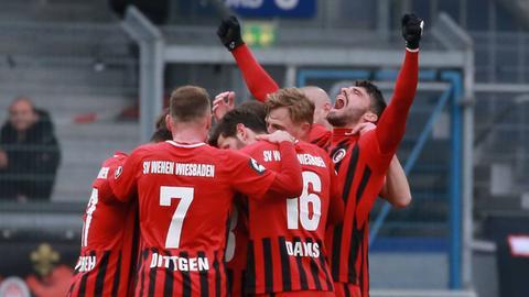 Jubel beim SV Wehen Wiesbaden