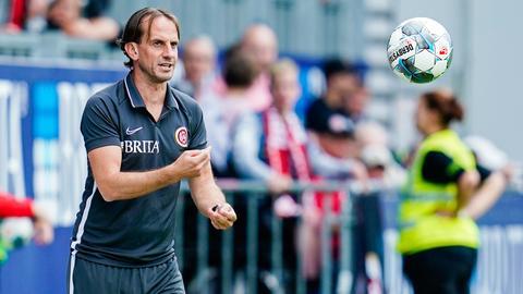 Rüdiger Rehm beim Spiel des SV Wehen Wiesbaden gegen Hannover