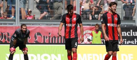 Lukas Watkowiak, Sascha Mockenhaupt und Niklas Dams vom SV Wehen Wiesbaden