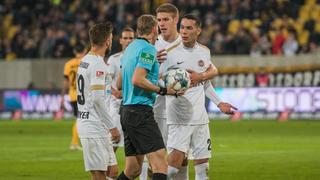 SV Wehen Wiesbaden Dresden Schiedsrichter