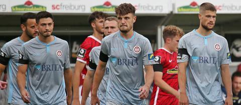 Nico Rieble, Gino Fechner und Johannes Wurtz hätten gerne mehr als einen Punkt aus Freiburg mitgenommen.