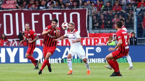 Eine Szene aus dem Hinspiel des SVWW gegen Ingolstadt