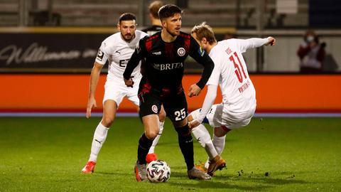 Dennis Kempe vom SV Wehen Wiesbaden im Spiel gegen Viktoria Köln
