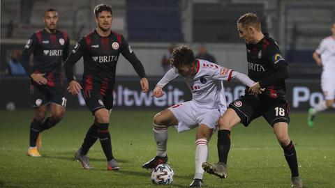 Szene aus dem Spiel SV Wehen Wiesbaden gegen den VfB Lübeck