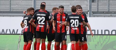 Der SV Wehen Wiesbaden im Spiel gegen Boavista Porto