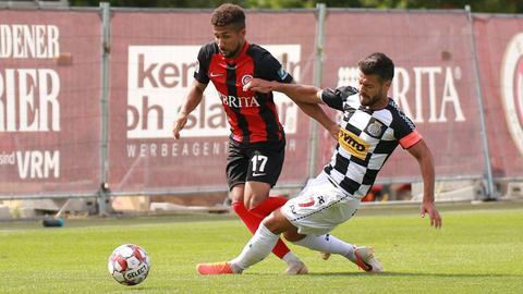 Daniel-Kofi Kyereh vom SV Wehen Wiesbaden im Testspiel gegen Boavista Porto