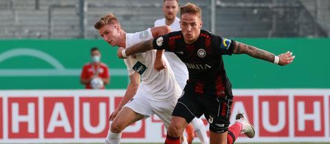 Phillip Tietz vom SV Wehen Wiesbaden im Pokalspiel gegen Heidenheim