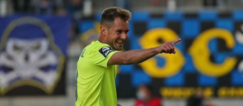 Thijmen Goppel jubelte über das 3:0 in Saarbrücken.