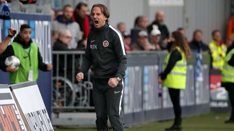 SVWW-Trainer Rüdiger Rehm treibt seine Mannschaft weiter an.