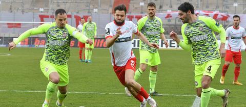 Der SV Wehen Wiesbaden im Spiel beim FSV Zwickau
