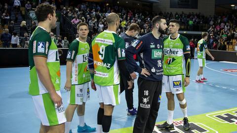 Die Spieler der HSG Wetzlar sind nach der Niederlage enttäuscht