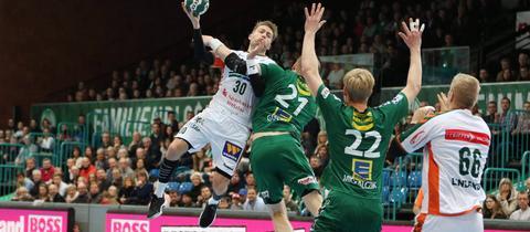 Kasper Kvist setzt zum Sprungswurf an