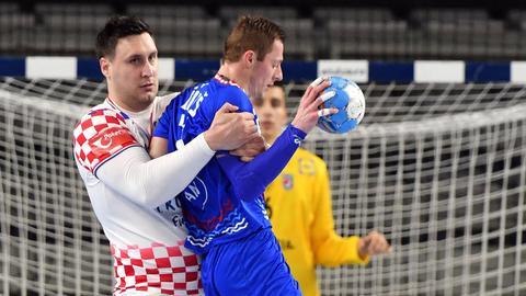 Tomislav Kusan im Defensiv-Zweikampf