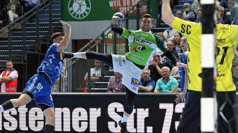Filip Mirkulovski von der HSG Wetzlar im Spiel gegen Gummersbach.
