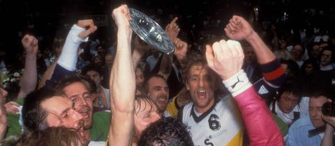 Wallau/Massenheim feiert die Meisterschaft 1992.