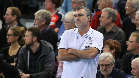 MT Melsungen-Trainer Michael Roth ist bedient.