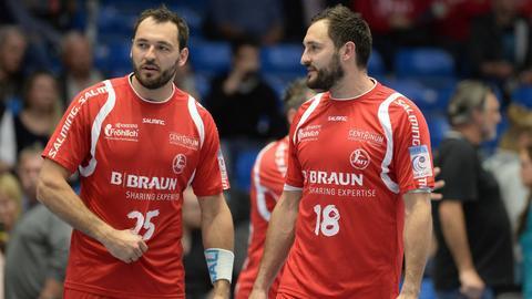 Michael (li.) und Philipp Müller haben bei der MT Melsungen bis 2020 verlängert.