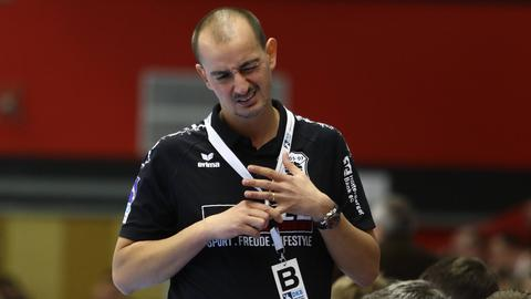 Trainer Emir Kurtagic muss die fünfte Niederlage in Folge verdauen.