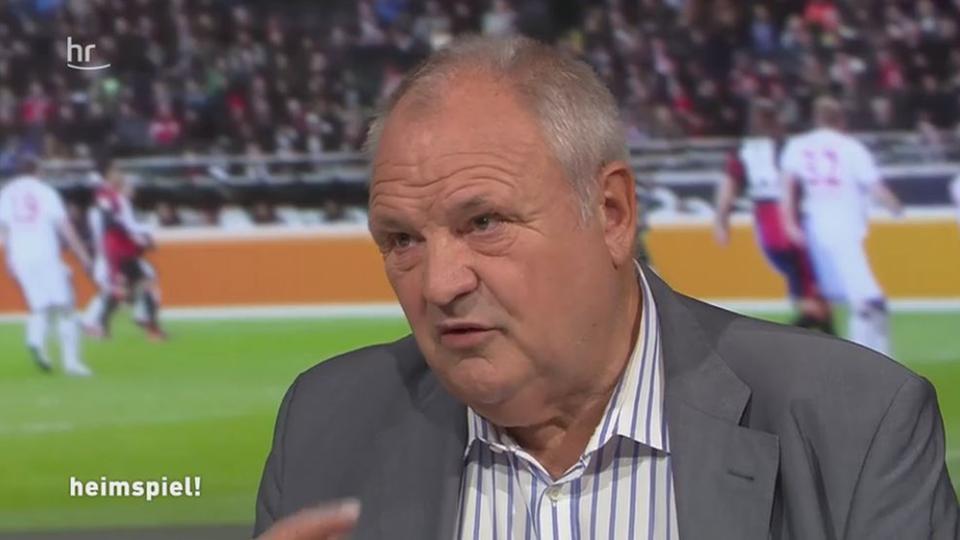 """Video: Stenger: """"Riesenkompliment an die Eintracht ..."""