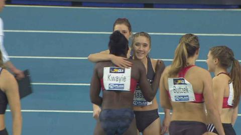 Rebekka Haase gratuliert der Siegerin