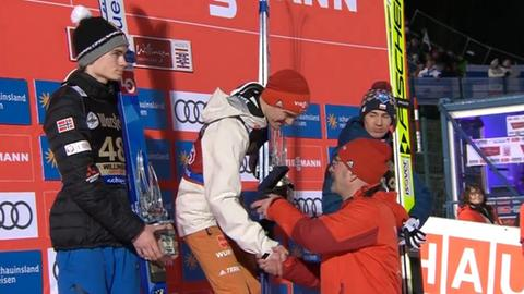Stephan Leyhe steht in Willingen ganz oben auf dem Siegerpodest