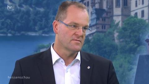 Stefan Reuß im Fernsehstudio