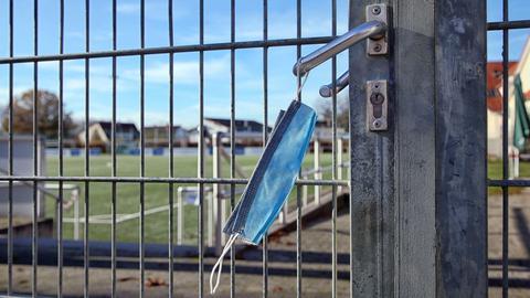 Die Türen zu den Sportplätzen bleiben geschlossen.