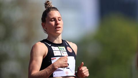 Carolin Schäfer beim Wettkampf in Frankfurt